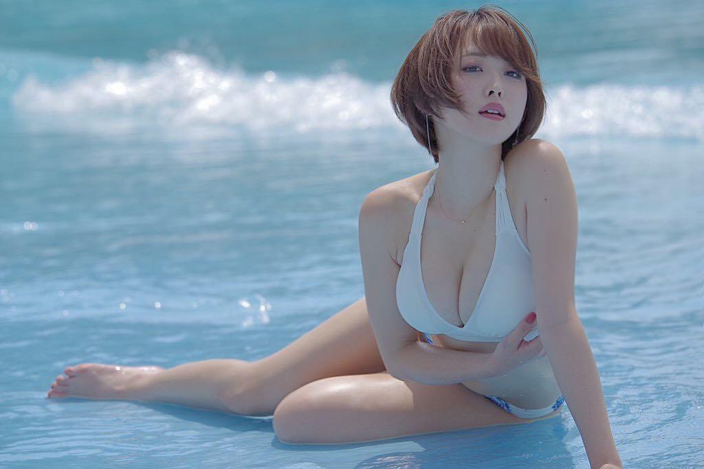 Oshino Sara Bikini