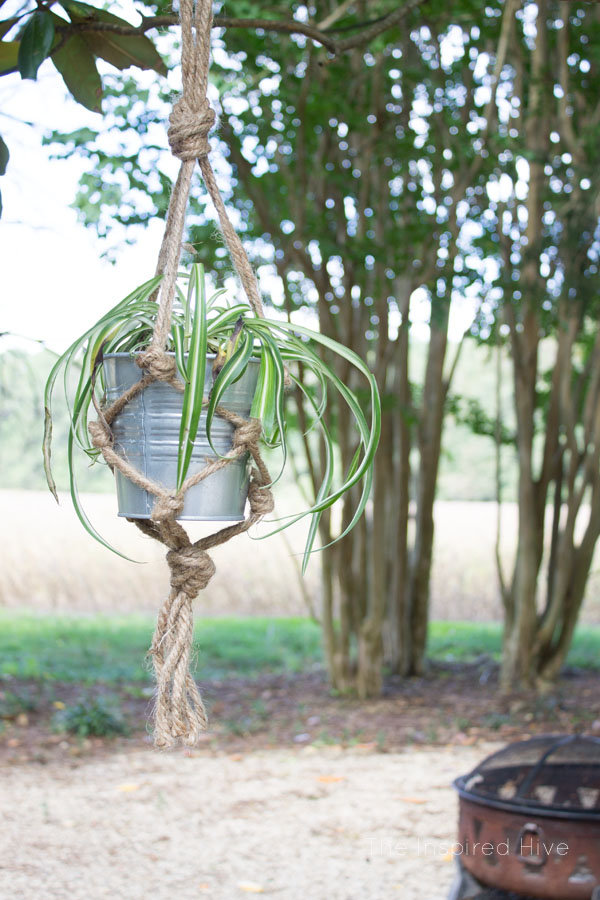 picture about Free Printable Macrame Plant Hanger Patterns referred to as Do it yourself Jute Macrame Plant Hanger The Influenced Hive