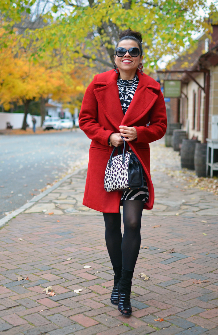 Red coat street style look