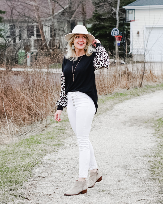 how to wear a leopard print top
