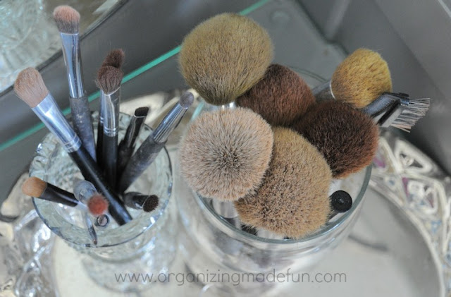 brushes make up organize cups