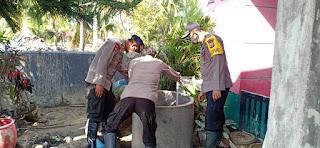 Kapolres Lutra Bersihkan Sumur   Warga di Kelurahan Bone Tua Masamba