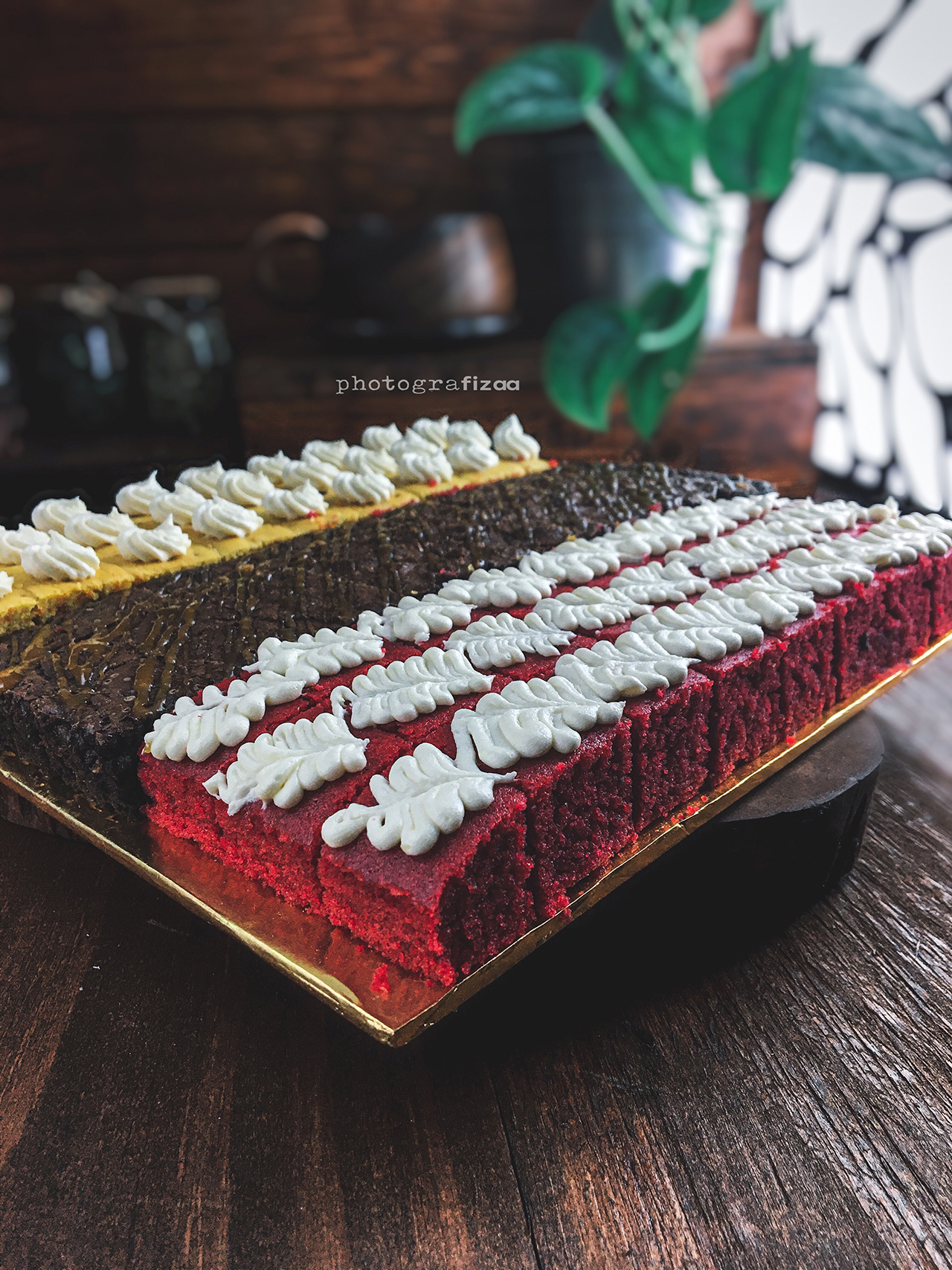 Combo Box Cakes - Red Velvet, Carrot & Brownies Salted Caramel