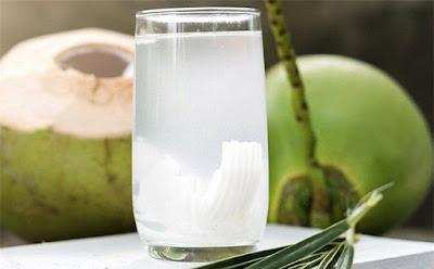 nước dừa với bệnh đau dạ dày