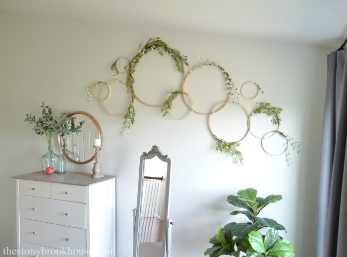 Simple & Easy Embroidery Hoop Wall Art