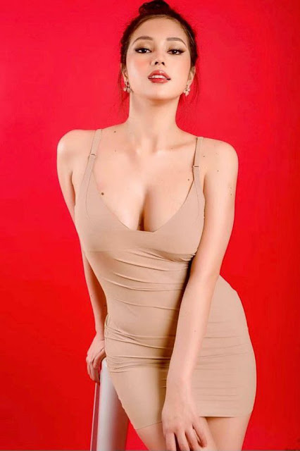 Hot and sexy photos of beautiful busty asian hottie chick Pinay model Eileen Gonzales photo highlights on Pinays Finest sexy nude photo collection site.