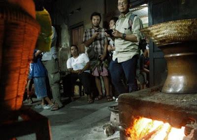 Berburu Gudeg Pawon Di Tengah Malam Yogyakaryta