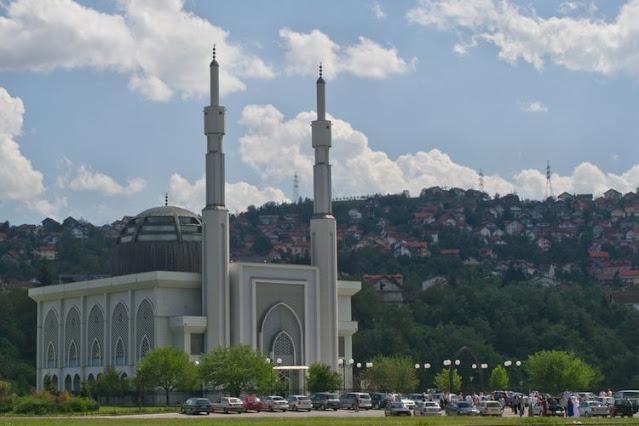 Masjid Istiqlal di Bosnia dan Herzegovina