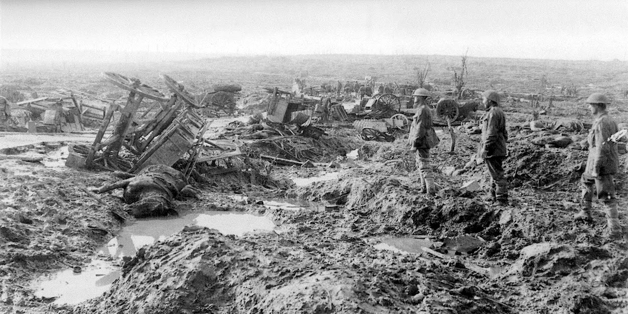 WW1 muddy battlefield