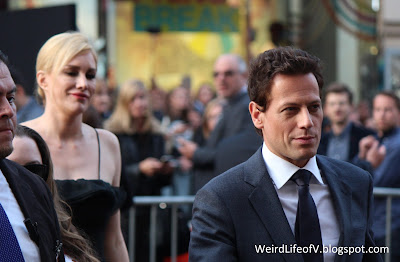 Alice Evans and Ioan Gruffudd at the San Andreas premiere