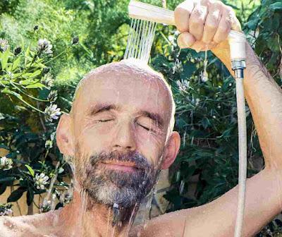 فوائد الاستحمام بالماء البارد للرجال