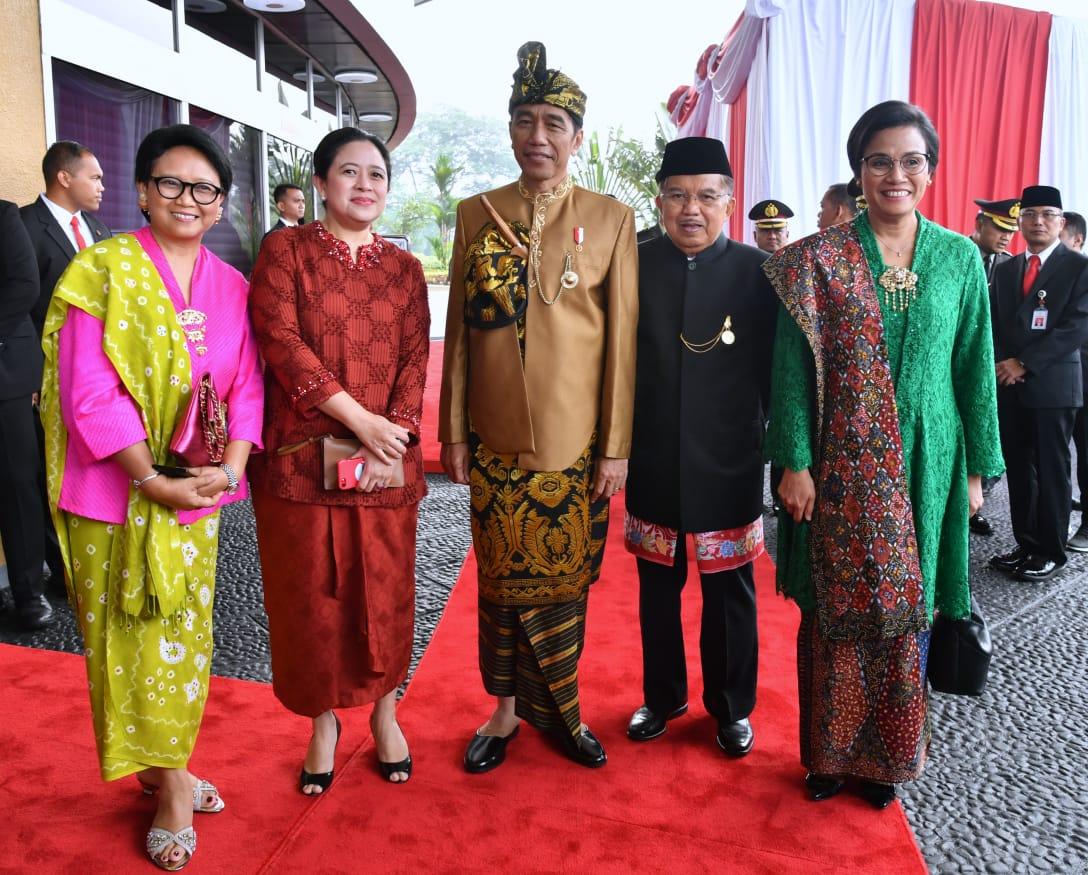 Pakaian Adat Empat Lawang