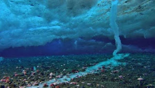 Απίστευτο θέαμα: Πως δημιουργείται ο παγοκρύσταλλος του θανάτου που σαρώνει τα πάντα στο πέρασμα του (Βίντεο)