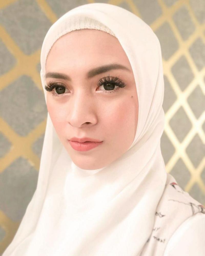 Artis FTV oakai Hijab manis dan seksi