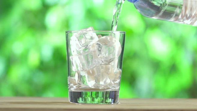 Minum Air Dingin Bisa Bikin Gemuk, Anda Salah Besar!!!