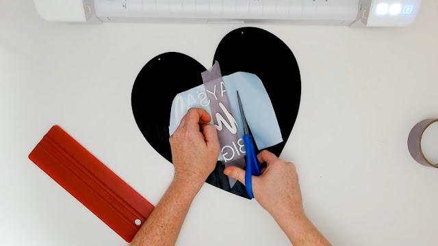 cameo 4, silhouette cameo beginner, beginner project, adhesive vinyl, hinge method