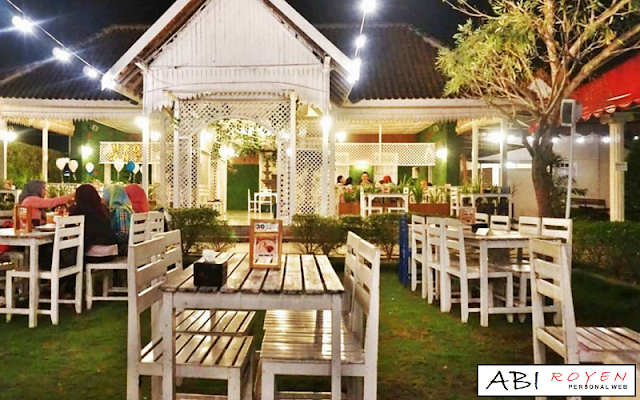 Tempat Wisata Romantis di Jogja Secret Garden Coffee & Chocolate