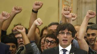 Tras la denuncia del fiscal general por rebelión y sedición, el presidente catalán cesado  Carles Puigdemont viajó este lunes a Bruselas. Puigdemont está entrevistándose con dirigentes flamencos en la capital belga.