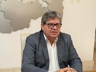 João Azevêdo prorroga medidas de isolamento social e suspende aulas presenciais até dia 3 de maio