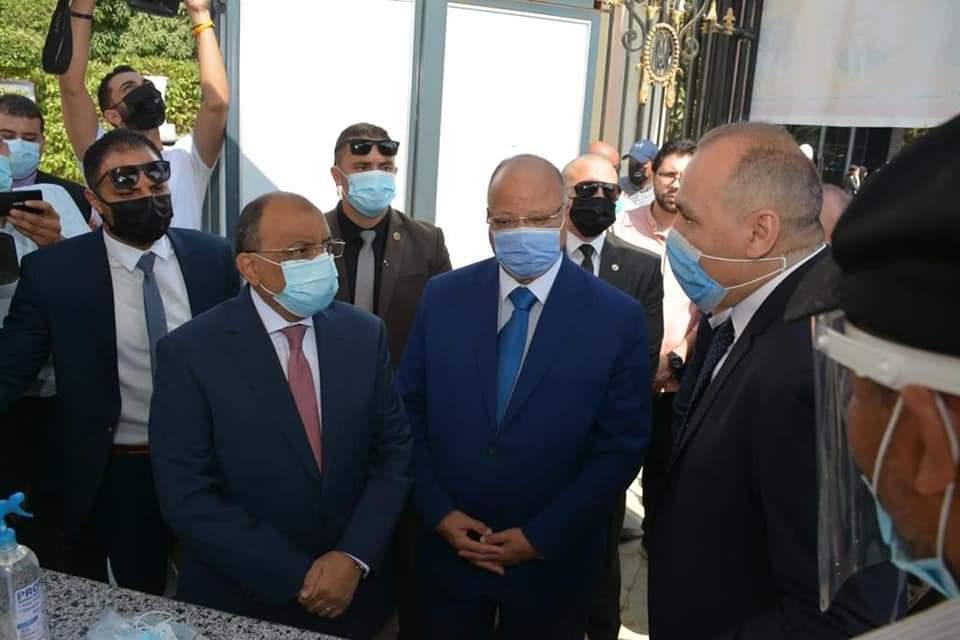 وزير التنمية المحلية ومحافظ القاهرة يتفقدان بدء أعمال امتحانات للثانوية العامة بمدارس مصر الجديدة وعابدين