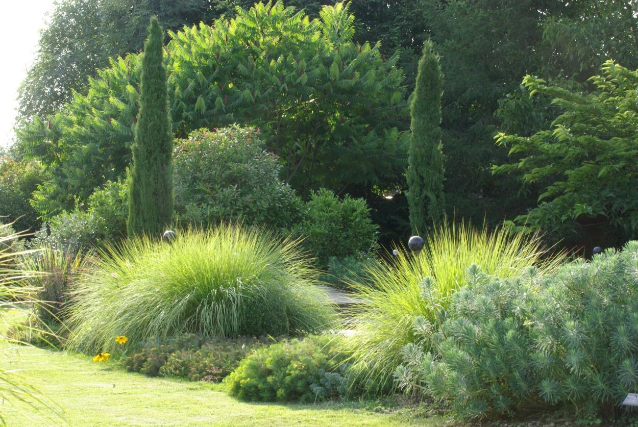 Les jardins de la poterie hillen les jardins en mois de - Jardin de graminees photos ...