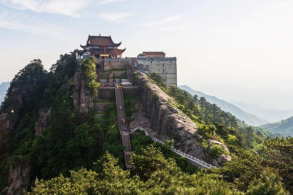 ภูเขาจิ่วหัวซาน (Mount Jiuhua: Jiuhuashan : 九华山) @ www.cgtn.com