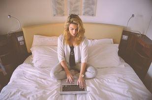 Tips merawat laptop yang benar agar awet dan tidak cepat rusak