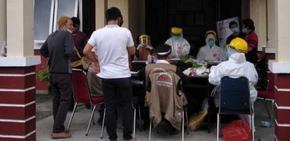 660 Petugas Pemutahiran Data Pemilih Di Lutra Ikuti Rapid Test , Segini Jumlah yang Reaktif!!
