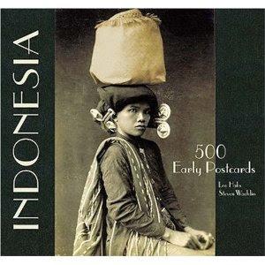 """Perempuan Karo dan Kedua Anaknya dalam """"Indonesia Early Postcards"""""""