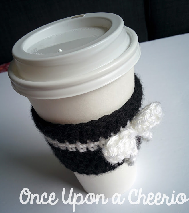 Spades & Bows Coffee Tea Cup Cozy Free Crochet Pattern