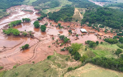 Barragem da samarco rompem em mariana MG, barragem rompida
