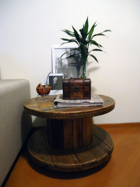 carretel-de-madeira-na-decoracao-mesinha-abrirjanela
