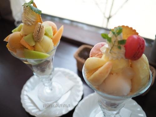 メロンと桃のパフェ