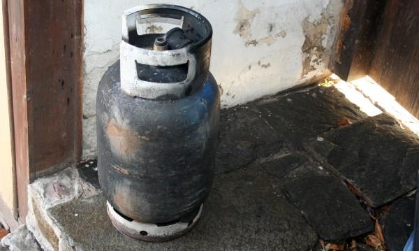 Мъж пострада след взрив на газова бутилка във Варна