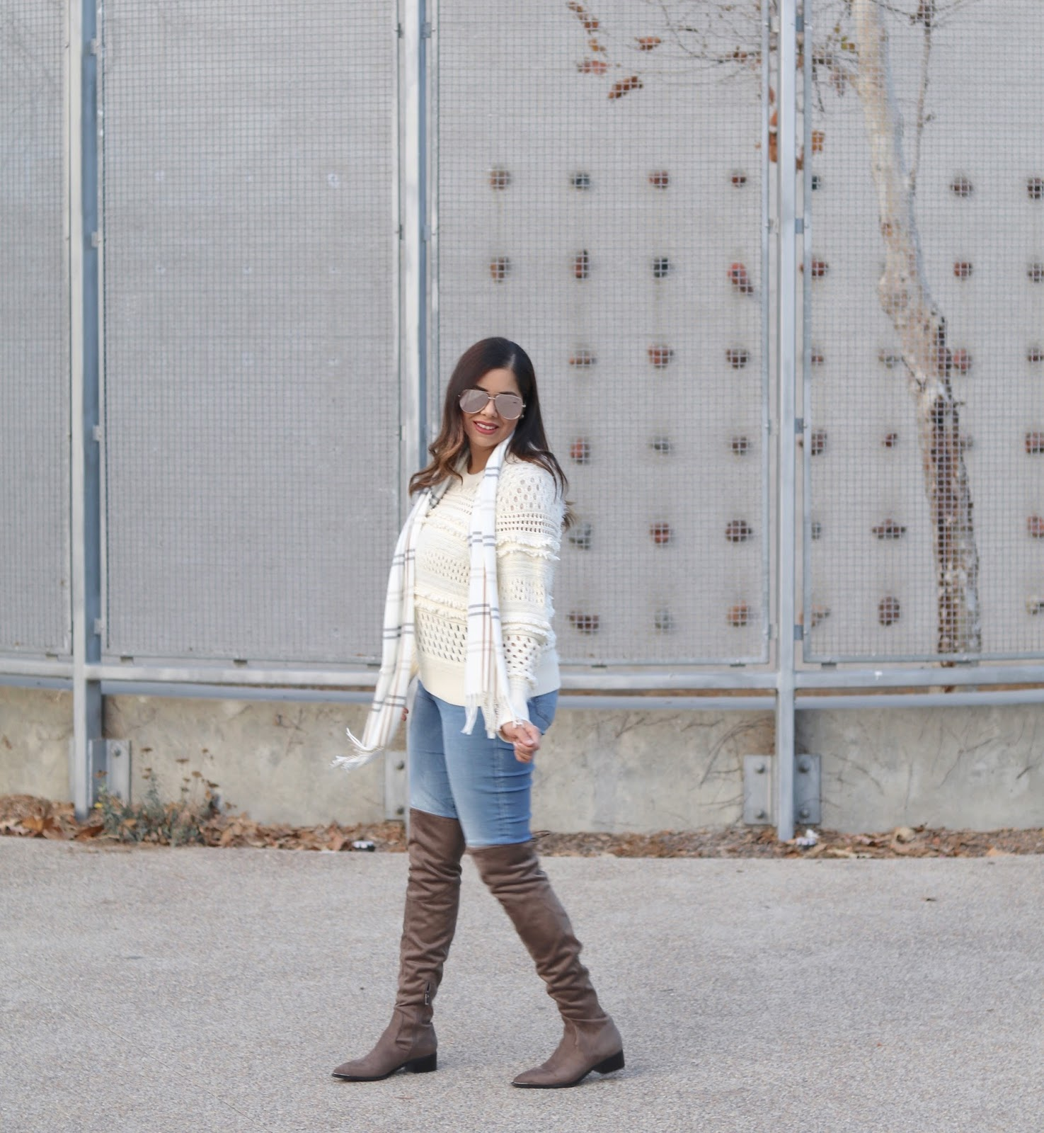 beige sweater outfit, how to style a beige sweater, sweater weather outfit