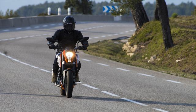 Diferencia entre un seguro de auto y seguro para Motos