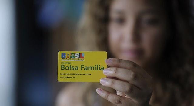 Beneficiários do Bolsa Família começam a receber auxílio emergencial em 16 de abril