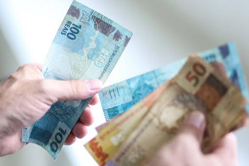 Governo Federal faz estimativa de novo salário mínimo para 2021