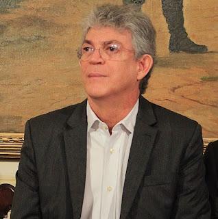 Gaeco denuncia Ricardo e mais 6 por desvio de dinheiro para obra em prédio do Canal 40