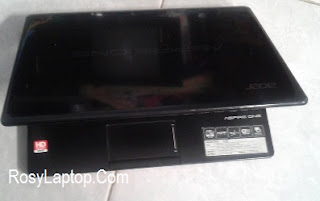 Acer Aspire One 725 AMD Hitam