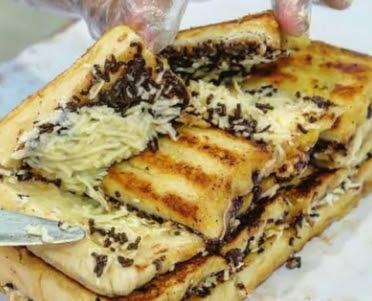 Bisni kuliner jualan roti bakar