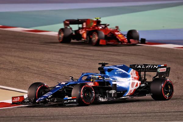 Fórmula 1,  GP Bahrain 2021: Hamilton vence após disputa com Verstappen