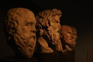 Apa Perbedaan Filsafat Ketuhanan dan Teologi ?