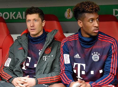 Biến ở Bayern: Lewandowski và Coman đấm nhau túi bụi