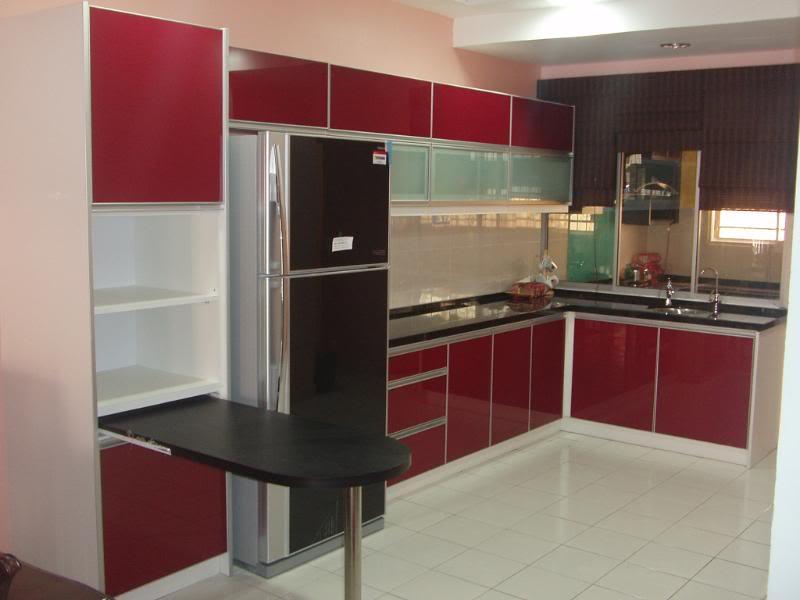 Kabinet Dapur Moden Yang Menarik Dengan Harga Amat Berpatutan Diperbuat Daripada Jenis Formica Warna Mengikut Citarasa Pelanggan