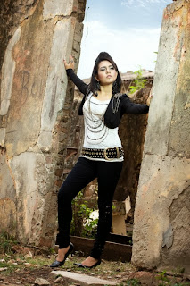 Bangladeshi Attractive and Beautiful singer Mila's latest HD Photos