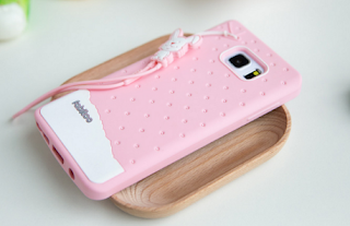 Anda Pilih Hard Case atau Soft Case?