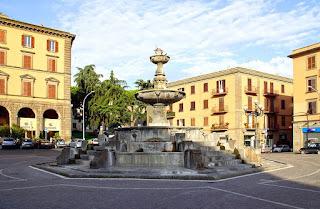The Piazza della Rocca in Viterbo, with its fountain designed by the 16th century architect Giacomo Barozzi da Vignola