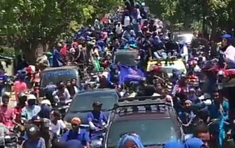 Bagai Pawai..! 24.000 Warga Kecamatan Bolo Padati Kampaye SYAFAAD
