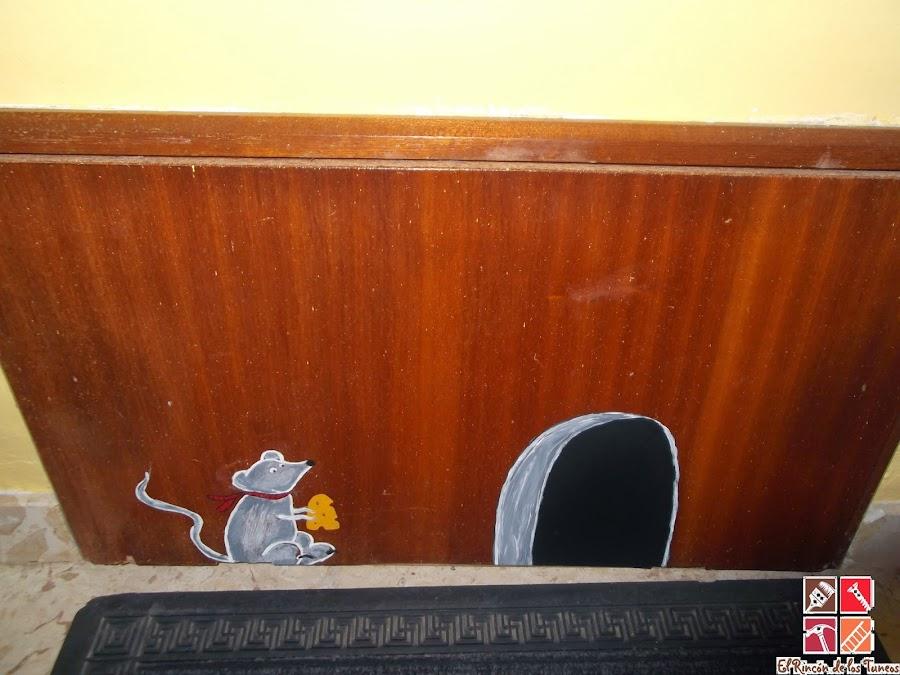 puerta contador pintada a mano